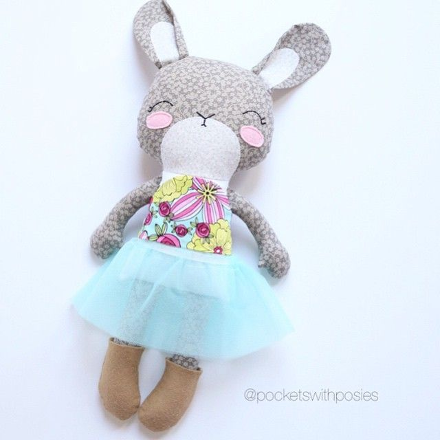 Keep an eye out for a future #giveaway where I will be giving away this darling #bunnydoll! #pocketswithposies #handmade #handmadedoll #bunny #toys #doll #dolls #easter #etsy #etsykids #childrensdecor