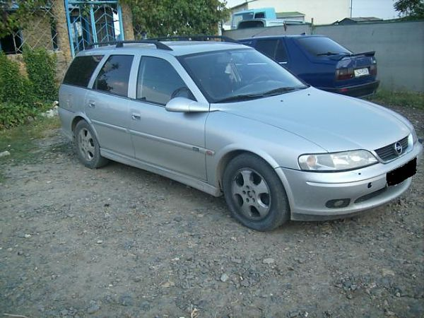 Opel Vectra B 2000г 2,0л МКПП караван